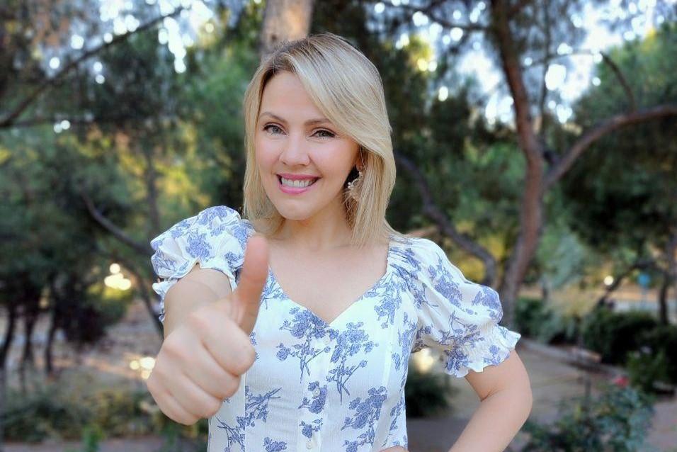 Alexandra Micutaru Condratovici | Social Planet